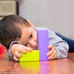 Un vechi medicament tratează cu succes autismul cauzat de vaccinuri