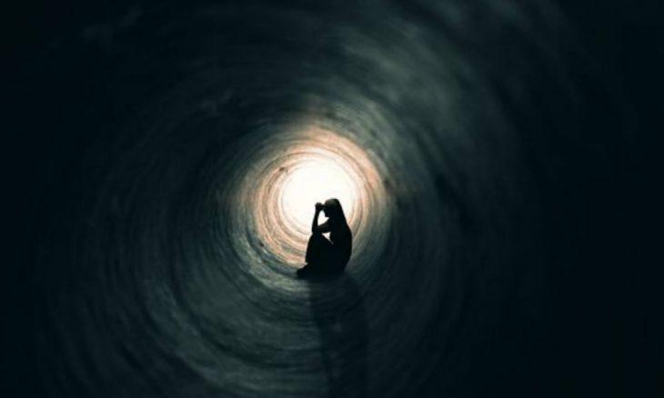 """Anxietatea nu este niciuna din urmatoarele zece lucruri! Sigur vei intelege mai bine dupa ce vei privi in spatele """"cortinei""""…"""