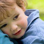 Autismul dă semne în primul an de viaţă al copilului. Testul care poate identifica această tulburare