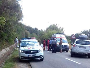Un tânăr din Argeș s-a sinucis în fața mamei sale! S-au urcat într-o mașină de ocazie, iar el s-a aruncat din mers, în fața altui vehicul!